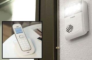 teléfono conectado al avisador