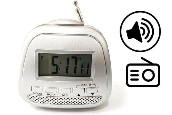 radio reloj con voz para baja vision
