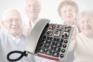 teléfono con personas mayores